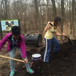 GJC-Arianna and Joana in compost pile