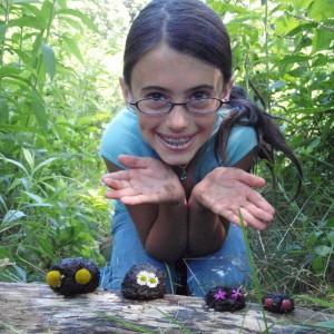 Camper-Girl-Nature-Art