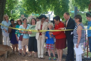 Edgewood SYH ribbon cutting
