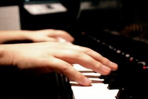Piano-hands2